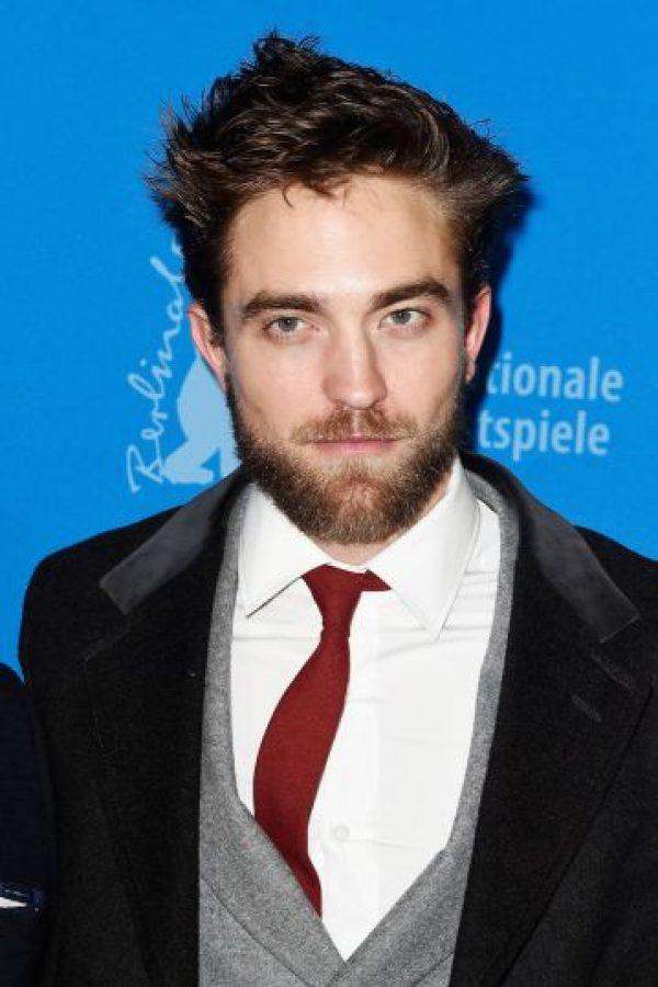 Cada vez son más las celebridades que se suman a la moda de lucir barba. Foto:Getty Images