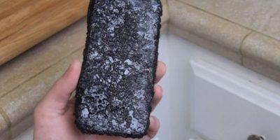 iPhone 6 con la capa de refresco de cola. Foto:TechRax