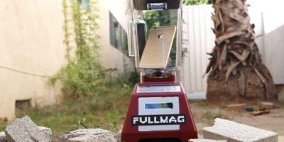 La licuadora ante el iPhone 6. Foto:FullMag
