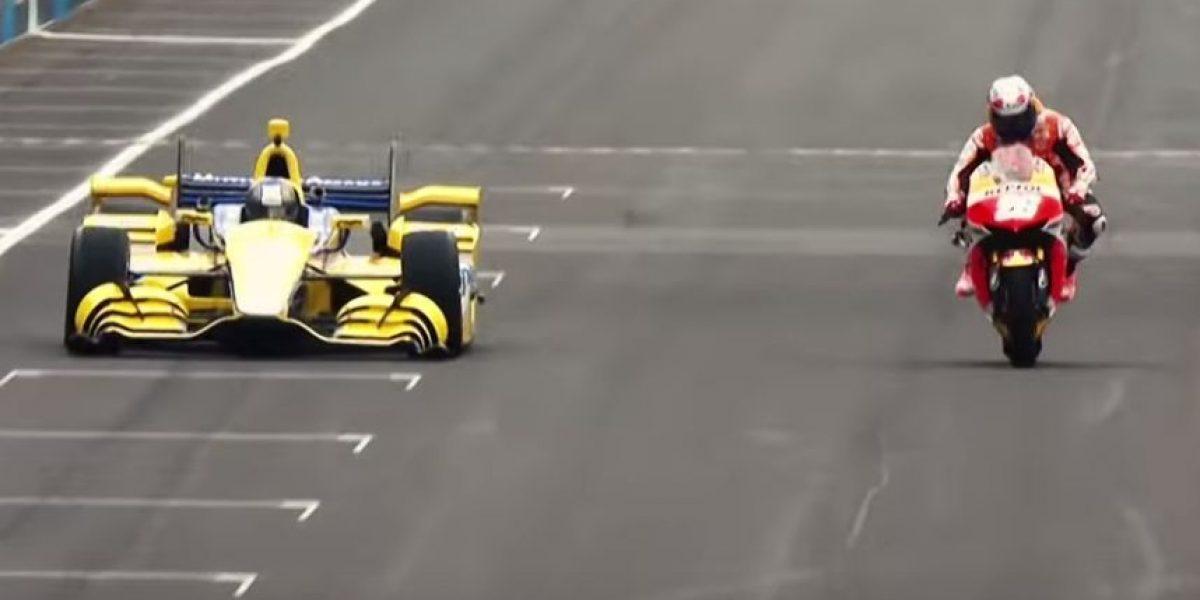 VIDEO: Un auto de la IndyCar en un duelo de velocidad ante una MotoGP