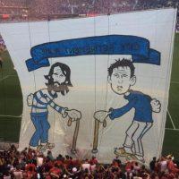 """La casa del retiro del City"", se leía en la pancarta Foto:MLS"