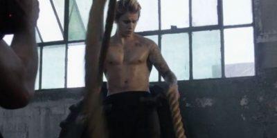 Justin Bieber presumió su musculatura Foto:Cosmopolitan
