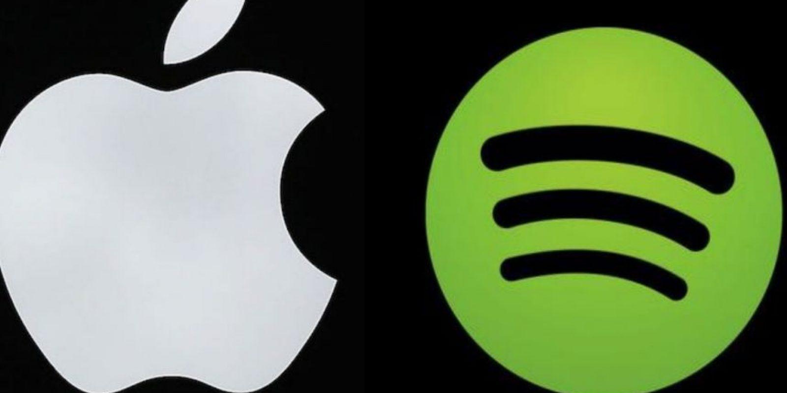 Apple Music y Spotify actualmente compiten por ser la mejor app de música en línea Foto:Spotify/Apple