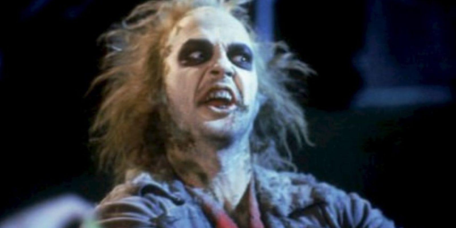 """Le dio vida a """"Beetlejuice"""", un """"exorcista de los vivos"""", ayuda a que los fantasmas alejen a los vivos de sus hogares. Foto:IMDB"""