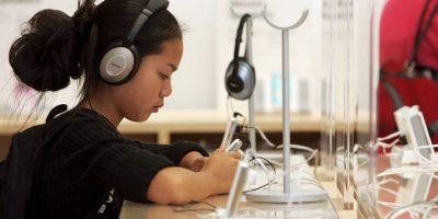 Su objetivo es eliminar canciones que promueven la violencia por medio de Internet. Foto:Getty Images