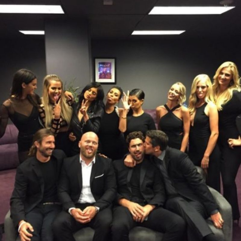 Y a todos sus hijos y familiares. Foto:vía instagram.com/kimkardashian