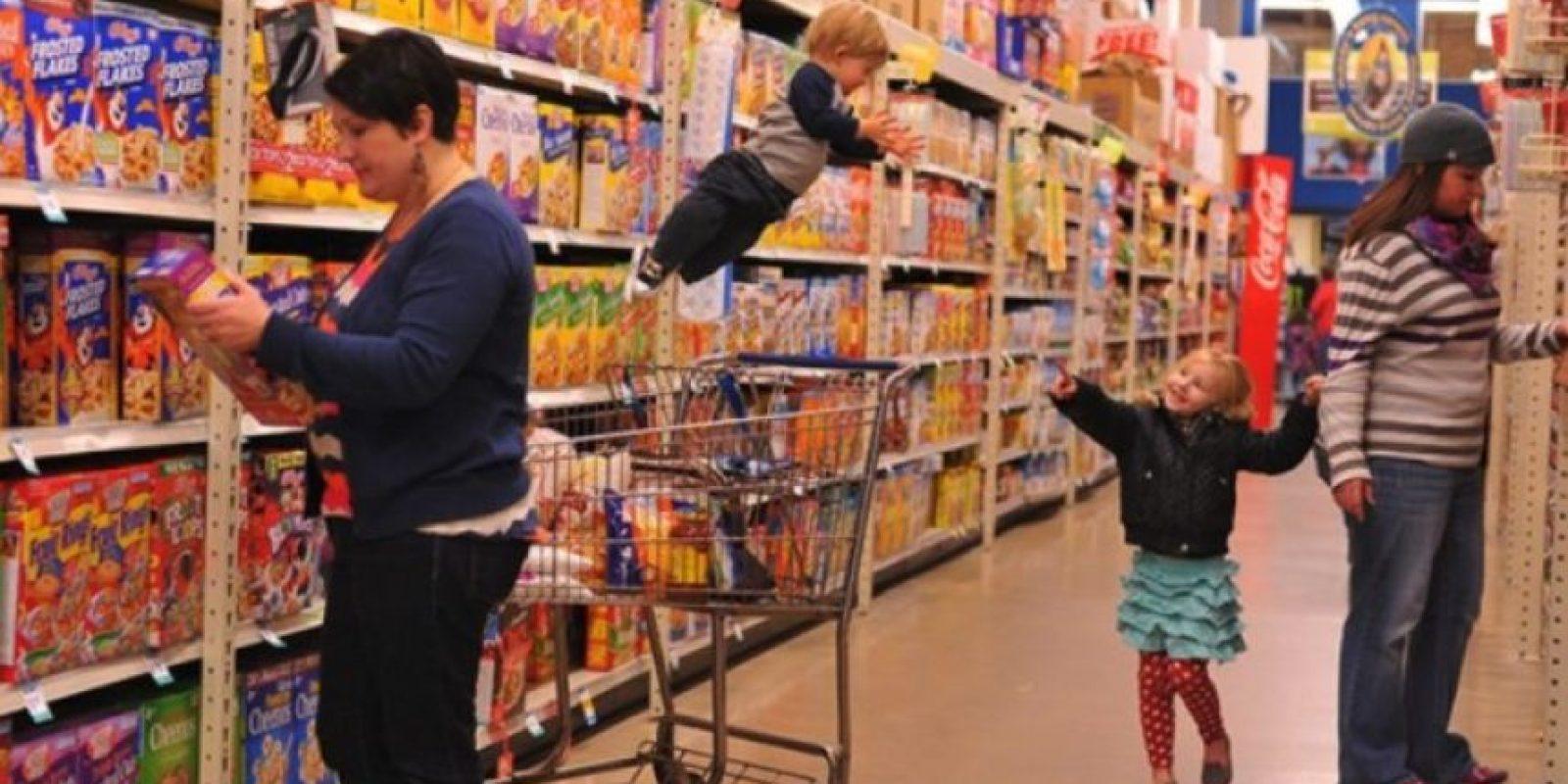 """""""Mi esposa y yo teníamos cuatro hijos increíbles y nos emocionó darnos cuenta de que nuestro quinto niño fue bendecido con la habilidad de volar. Su nombre es Wil y ha cambiado nuestras vidas"""", esa es la forma en que el mayor de los Lawrence describe en a su pequeño y a su familia. Foto: thatdadblog.com"""