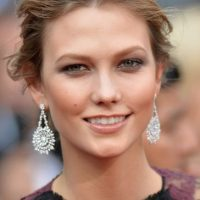 En junio de 2014, la ciudad el Soho, en Nueva York, fue testigo de los besos y cariños entre Cara y la modelo Karlie Kloss. Foto:Getty Images