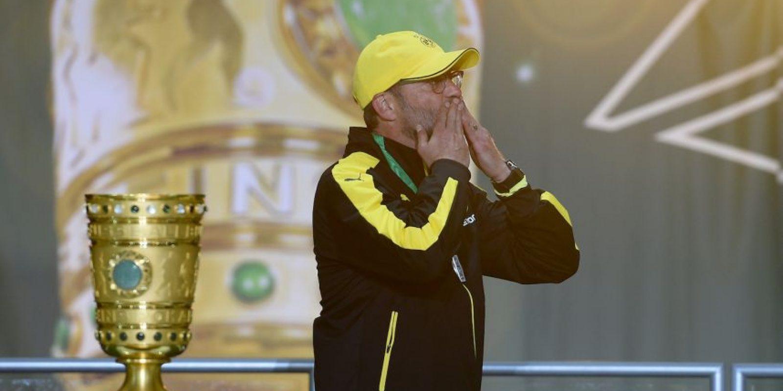 Klopp estuvo al frente del Borussia cinco años, en los que ganó dos Bundesligas y una Copa de Alemania, además de que llevó al equipo a la final de la Champions del año pasado Foto:Getty Images