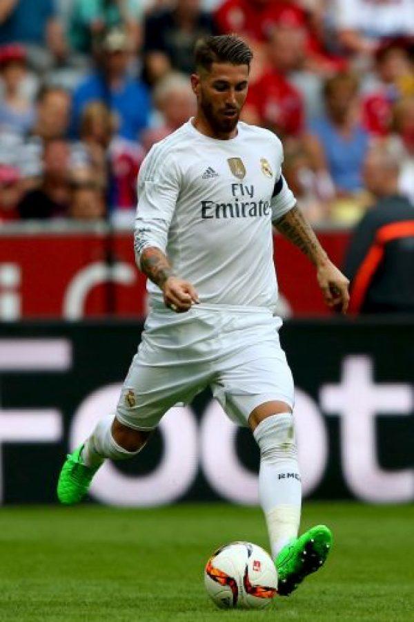Y la segunda, haciendo una oferta por él, pero como condición, Ramos tendría que decir públicamente que quería ir a Old Trafford. Foto:Getty Images