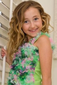 Comenzó su carrera en la serie de su hermana. Foto:vía Getty Images