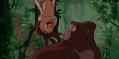 """Entonces, """"Tarzán"""" es criado por gorilas. Foto:IMDb"""