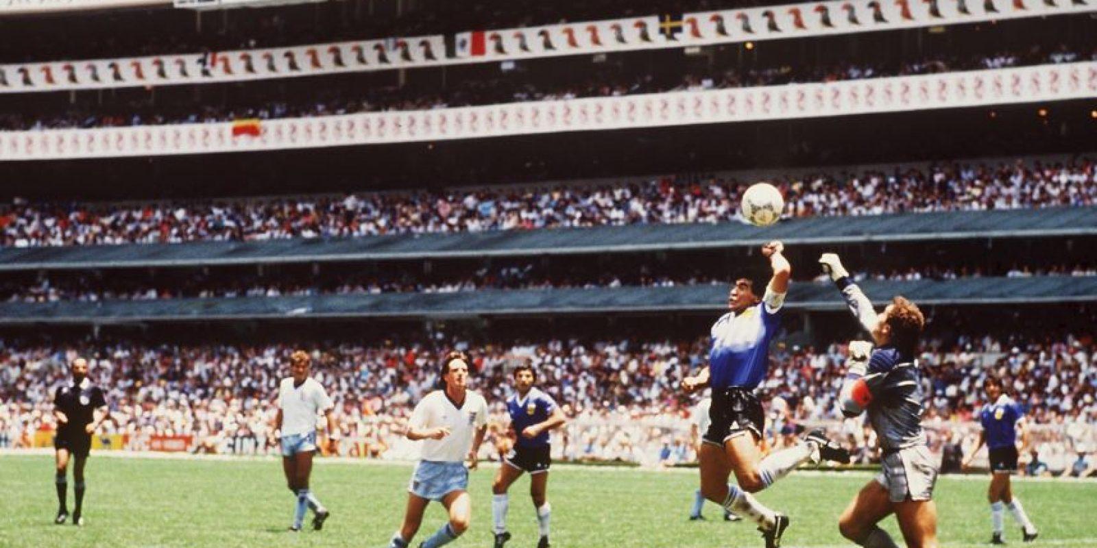 El gol más famoso de Diego Armando Maradona, anotado en México 1986. Foto:Getty Images