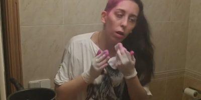 3. Cuando se pintan el cabello y dejan todo el lugar manchado. Foto:Vía Youtube