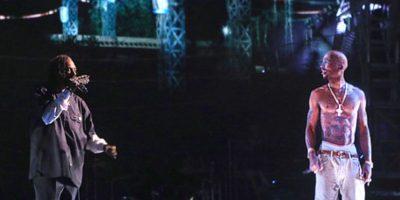 El difunto rapero Tupac apareció en un concierto. Foto:vía Getty Images