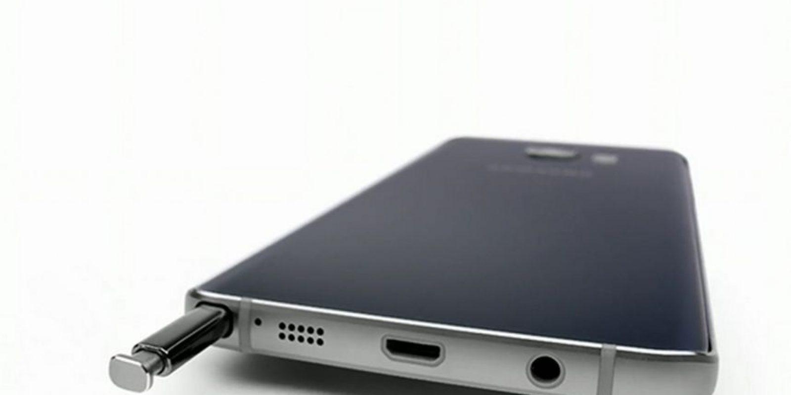 Se confirmó que no será ampliable su almacenamiento. Cuenta con dos modelos de 32 y 64GB internos Foto:Samsung