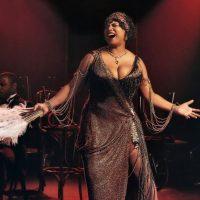"""Queen Latifah, nominada al Oscar en 1992 como Mejor Actriz de Reparto por """"Chicago"""", decidió quitarse un peso de encima en el 2003 y cambiar el tamaño de sus sostén por uno más pequeño Foto:Vía imdb.com"""