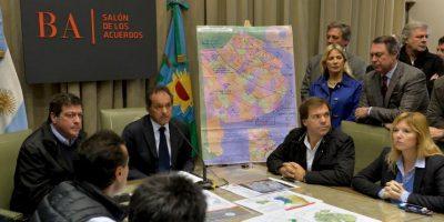 Esta situación causó diversos comentarios ya que dejó el país cuando Buenos Aires estaba siendo afectado por inundaciones. Foto:Vía facebook.com/danielsciolioficial