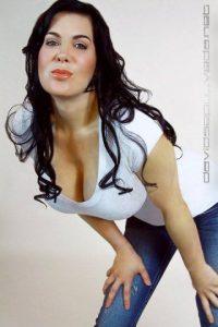 En 2001, Chyna se retiró de la WWE por motivos personales. Foto:Vía facebook.com/ChynaJoanLaurer