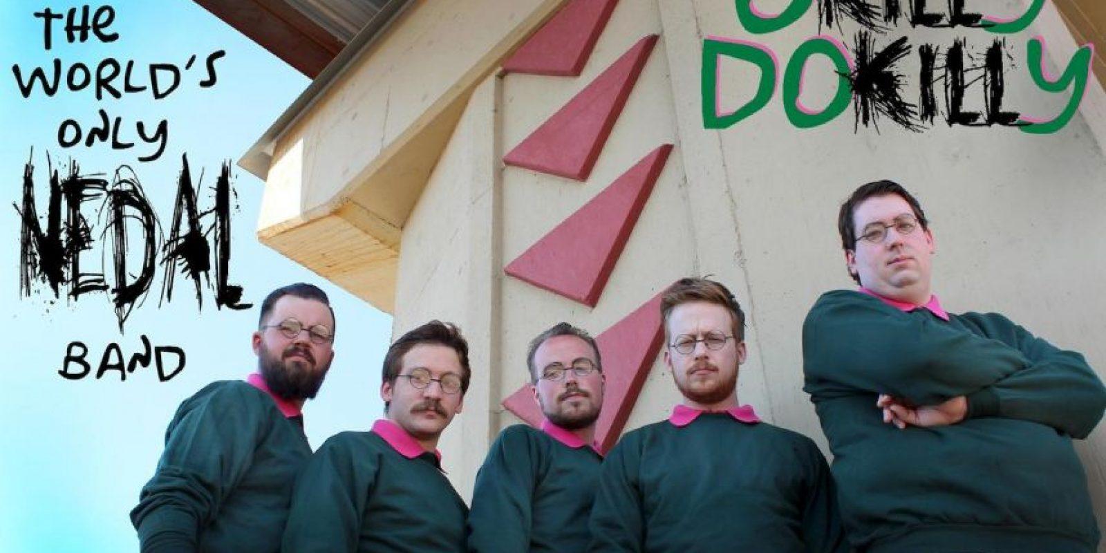 Sin embargo, no todos los integrantes de Okilly Dokilly son zurdos. Foto:vía facebook.com/OkillyDokillyBand