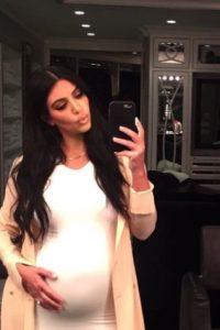 """La esposa de Kanye West promocionaba unas pastillas llamadas """"Diclegis"""", recomendadas por su médico. Foto:vía instagram.com/kimkardashian"""