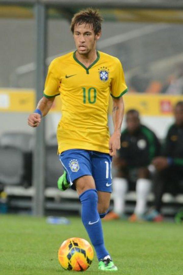 """5. Neymar. Participó en la campaña contra el ébola que organizó la FIFA y fundó el """"Neymar Jr. Institute Project"""", un complejo educativo en Brasil Foto:Getty Images"""