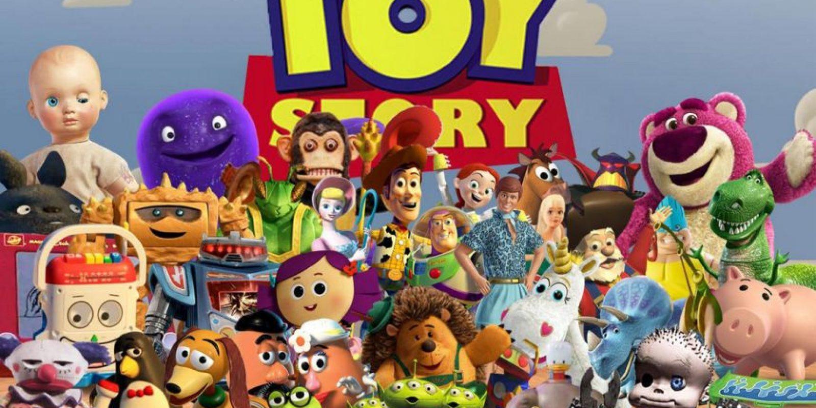 """Cuenta con dos secuelas donde se cuenta la historia de """"Andy"""" y su juguete favorito, un vaquero de tela llamado """"Woody"""", que hará todo por no separarse de su dueño Foto:Disney/Pixar"""