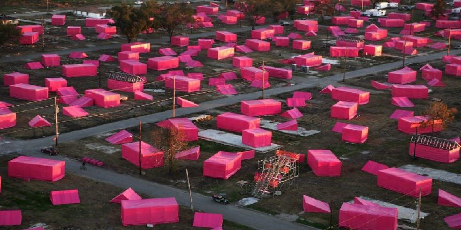 Su proyecto inició con estas casas de campaña rosas. Foto:Getty Images