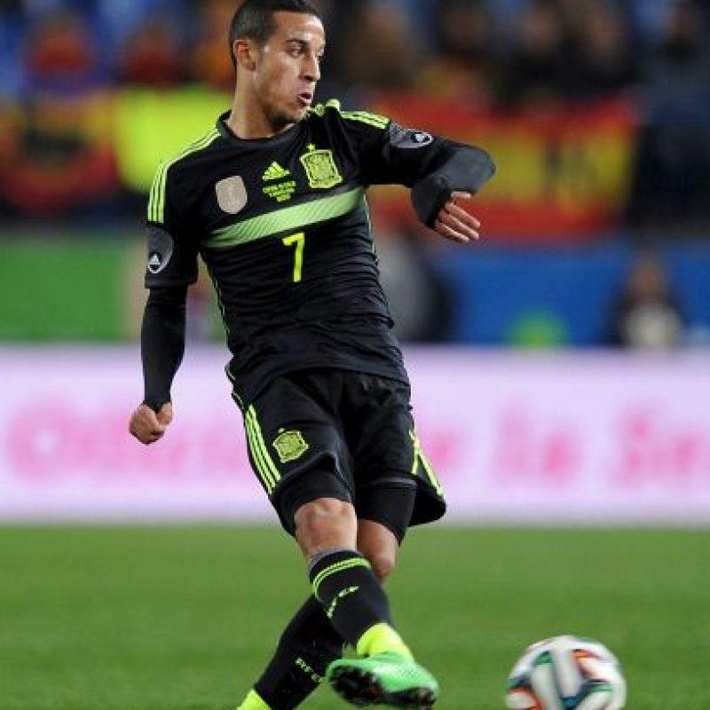 """Es la misma historia que su hermano """"Rafinha"""", sin embargo, Thiago nació en Italia, y escogió representar a España desde la categoría Sub-16 y es un miembro de la Selección Absoluta de este país. Foto:Getty Images"""