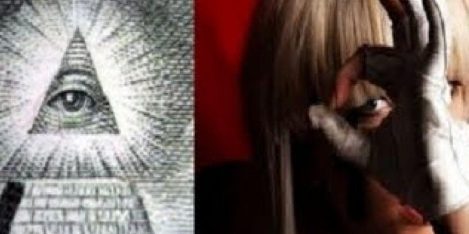 """Lady Gaga es otra """"servidora de Satanás"""". Foto:vía IlluminatiRex"""