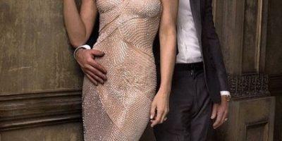 Guapísima... Jennifer Aniston se roba las miradas en su luna de miel