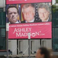 La promoción de este sitio de citas fue un escándalo cuando involucró a varios políticos estadounidenses. Foto:Getty Images
