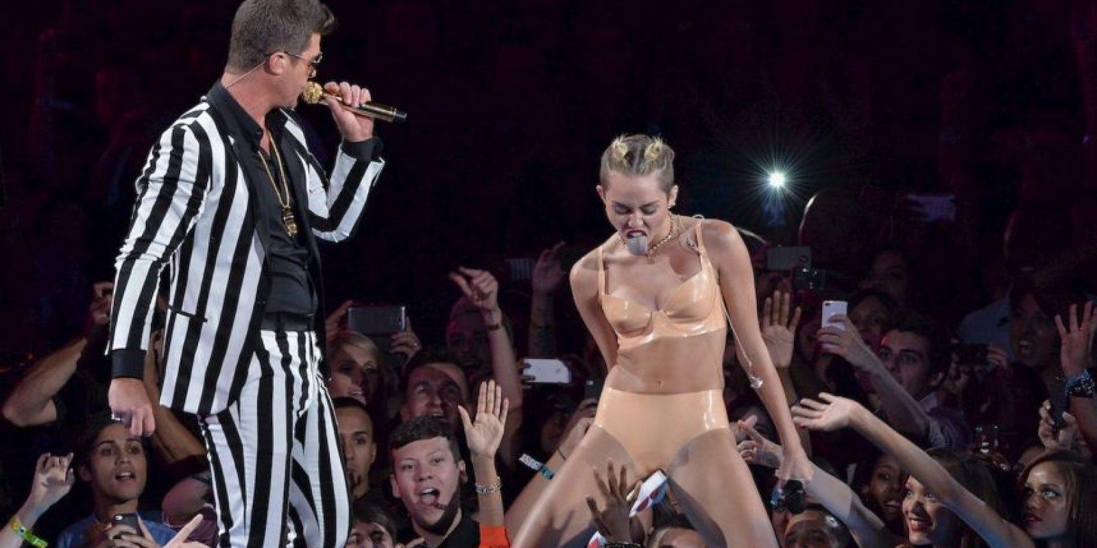 En 2013, luego mostrar su lado más salvaje en su performance para los premios MTV Video Music Awards, recibió 77 millones de dólares, según lo indicó el portal Fortune. Foto:Getty Images