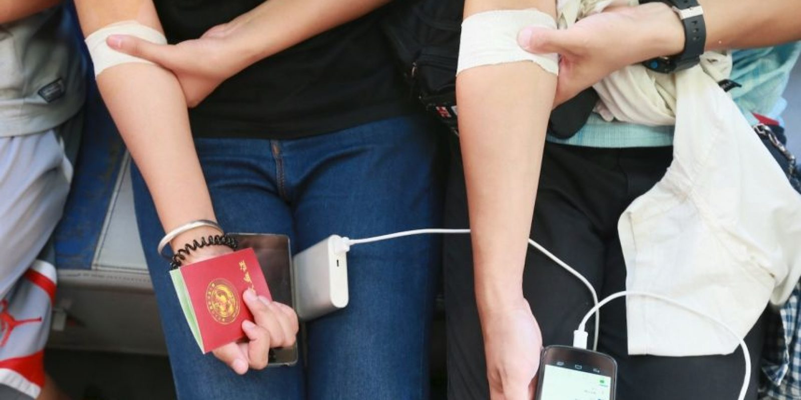 También aumentaron las donaciones de sangre por la emergencia Foto:Getty Images