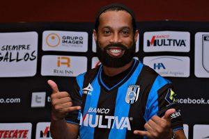 El crack brasileño nunca se ha dejado la barba Foto:Twitter