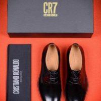 """Debido al éxito de """"CR7 Underwear"""", decidió lanzar al mercado su línea de zapatos. Foto:Vía instagram.com/cristiano"""