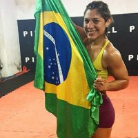 En 2013 se unió a la UFC. Foto:Vía instagram.com/bethecorreia