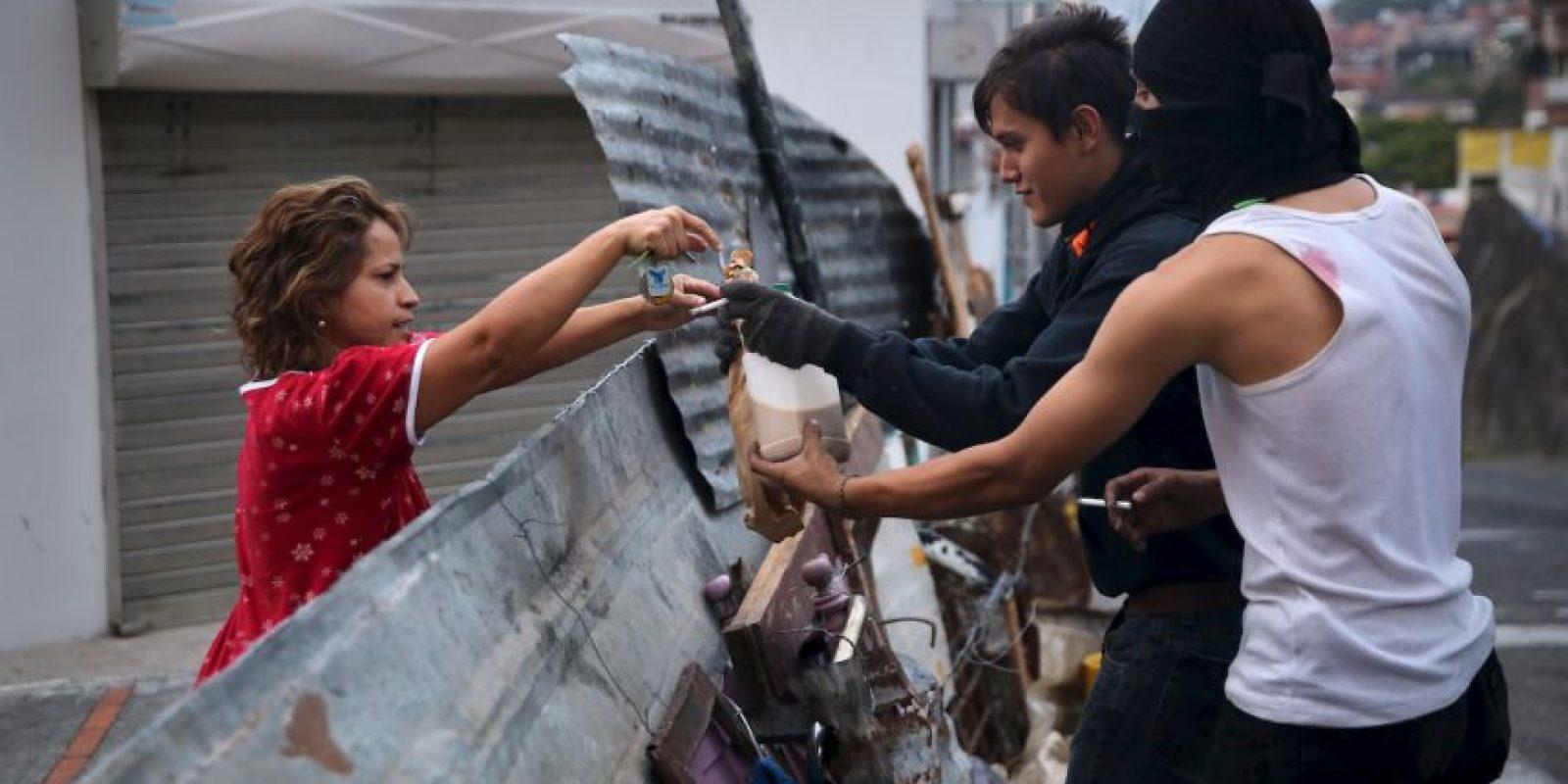 Según información presentada por Maduro las células criminales recibieron apoyo financiero de la Embajada de Estados Unidos. Foto:Getty Images