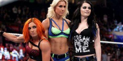 En otra esquina estará el Team PCB, integrado por Paige, Charlotte y Becky Lynch Foto:WWE