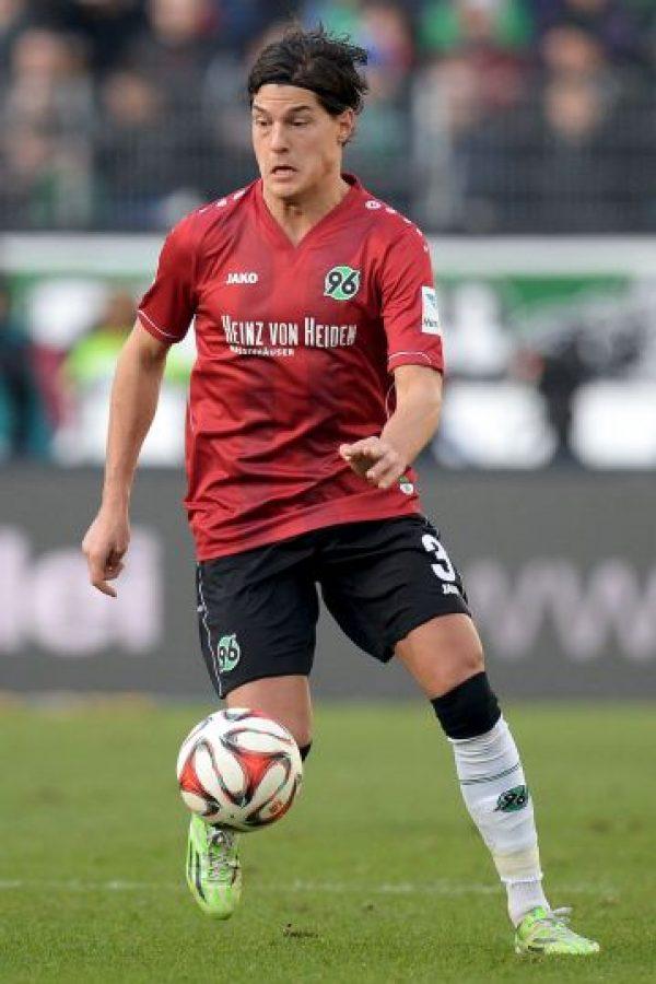 La temporada pasada fue su debut en la Bundesliga y tuvo acción en varios partidos. Para esta campaña, Miiko se propone ser titular y convertiste en pieza clave del Hannover 96. Foto:Getty Images