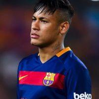 Neymar @neymarjr (Futbol/Brasil): 109 mil 256 dólares por tuit. Foto:Getty Images