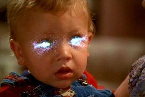 Un pequeño con poderes mágicos como sus padres. Foto:vía simmons-boys.com