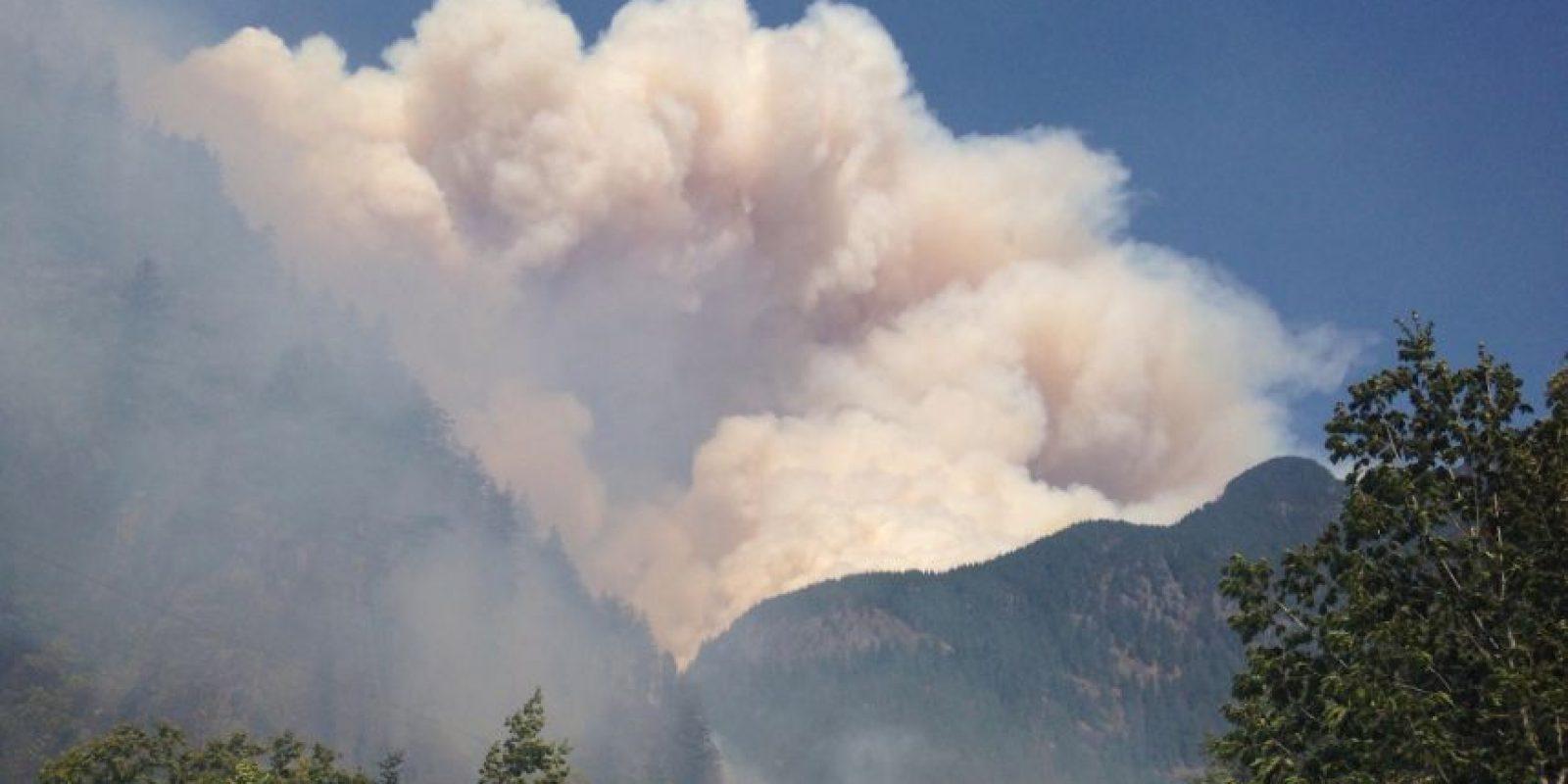 Cerca de 29 mil soldados se encuentran combatiendo los incendios. Foto:AFP