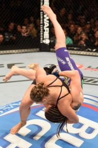 10-0 vs. Alexis Davis en UFC 175. Foto:Getty Images