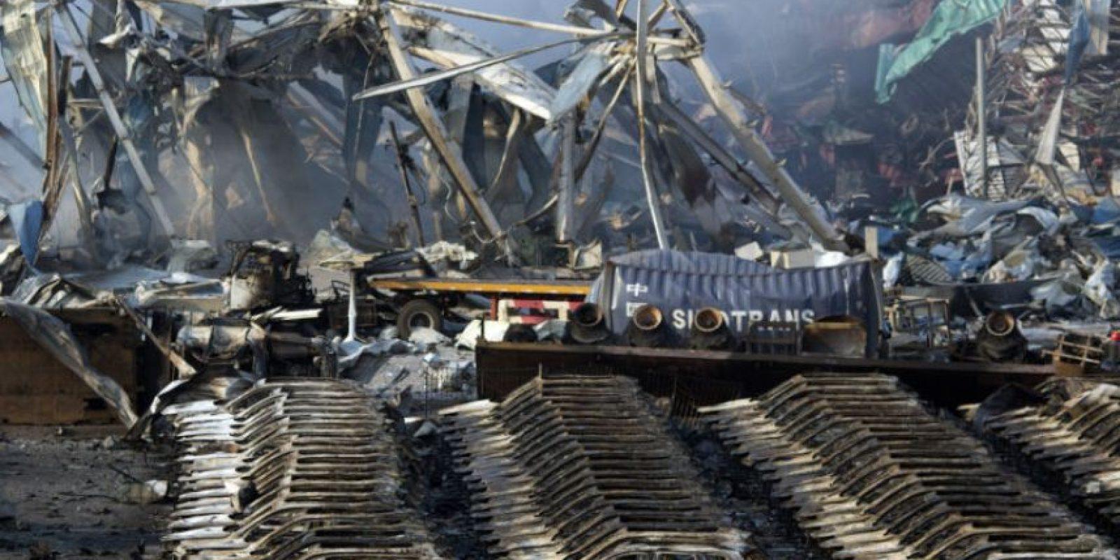 Una gran cantidad de autos quedó destruida. Foto:AP