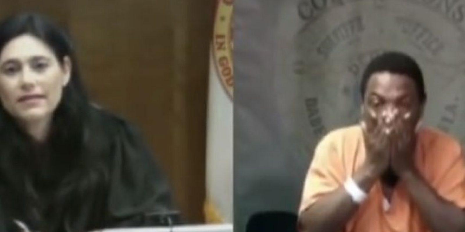 """Según la cadena de televisión estadounidense """"NBC Miami"""", la jueza Mindy Glazer se encontró en el tribunal con su compañero de escuela Arthur Booth, de 49 años, luego de que este fuera acusado de robo. Foto:YouTube – Archivo"""
