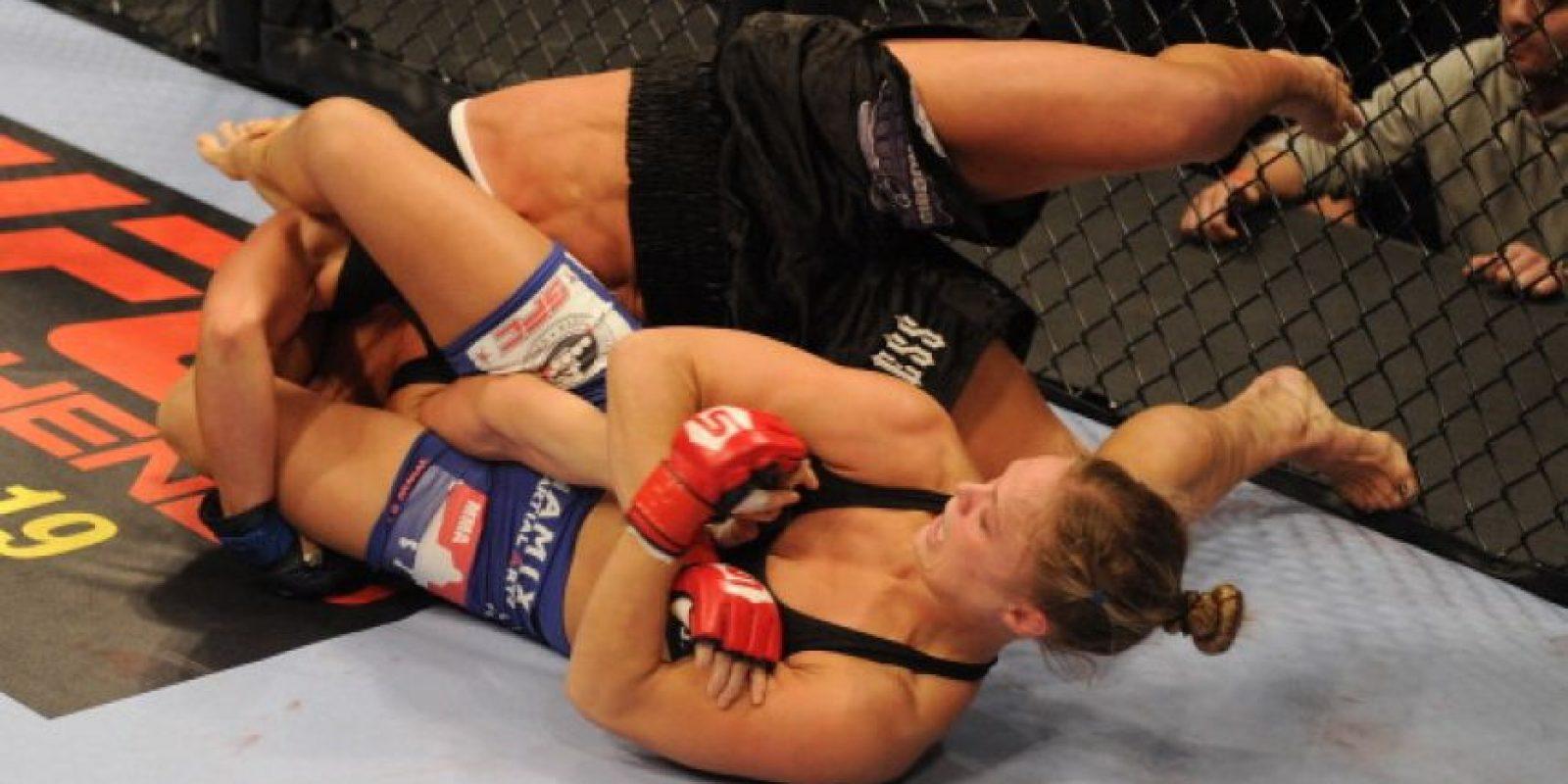 4-0 vs. Julia Budd en Strikerforce Challengers 20. Foto:Getty Images