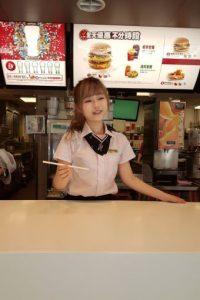 """La llamada """"diosa de McDonald's"""" tiene otra mujer muy importante para ella además de su novia: su mamá. Foto:Vía raindog.pixnet"""