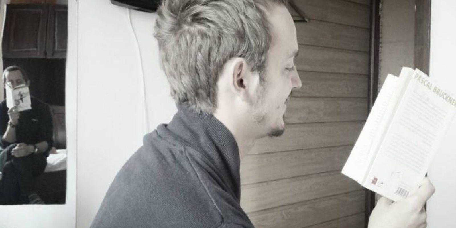 Victor Miron, es un fanático de la lectura, que inició la propuesta. Foto:facebook.com/miron.victor