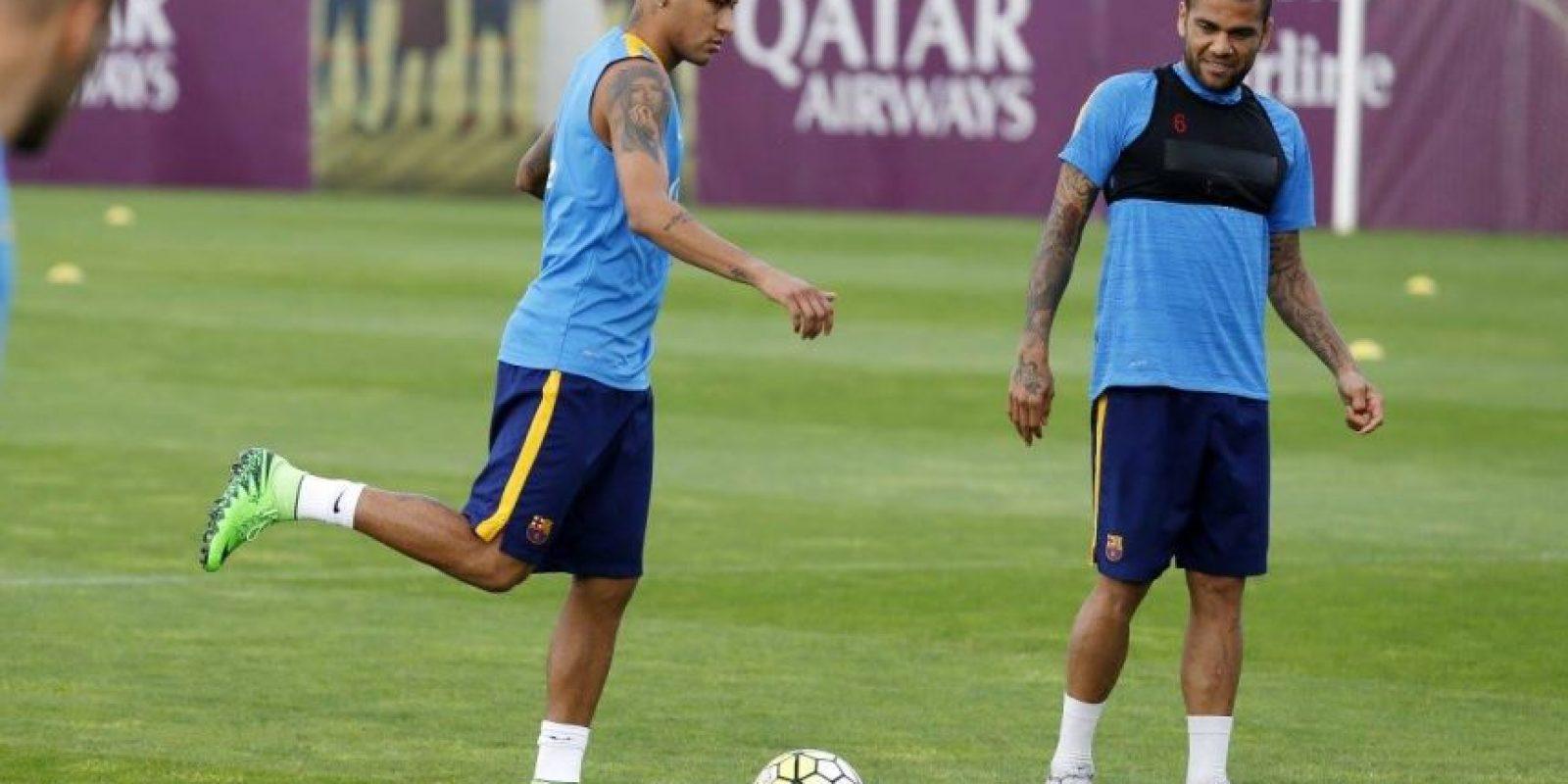 Este 22 de agosto, el brasileño apareció en el entreno, tras sufrir de paperas. Foto:Vía facebook.com/fcbarcelona